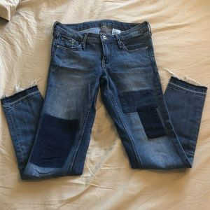 H&M skinny jeans sized 27